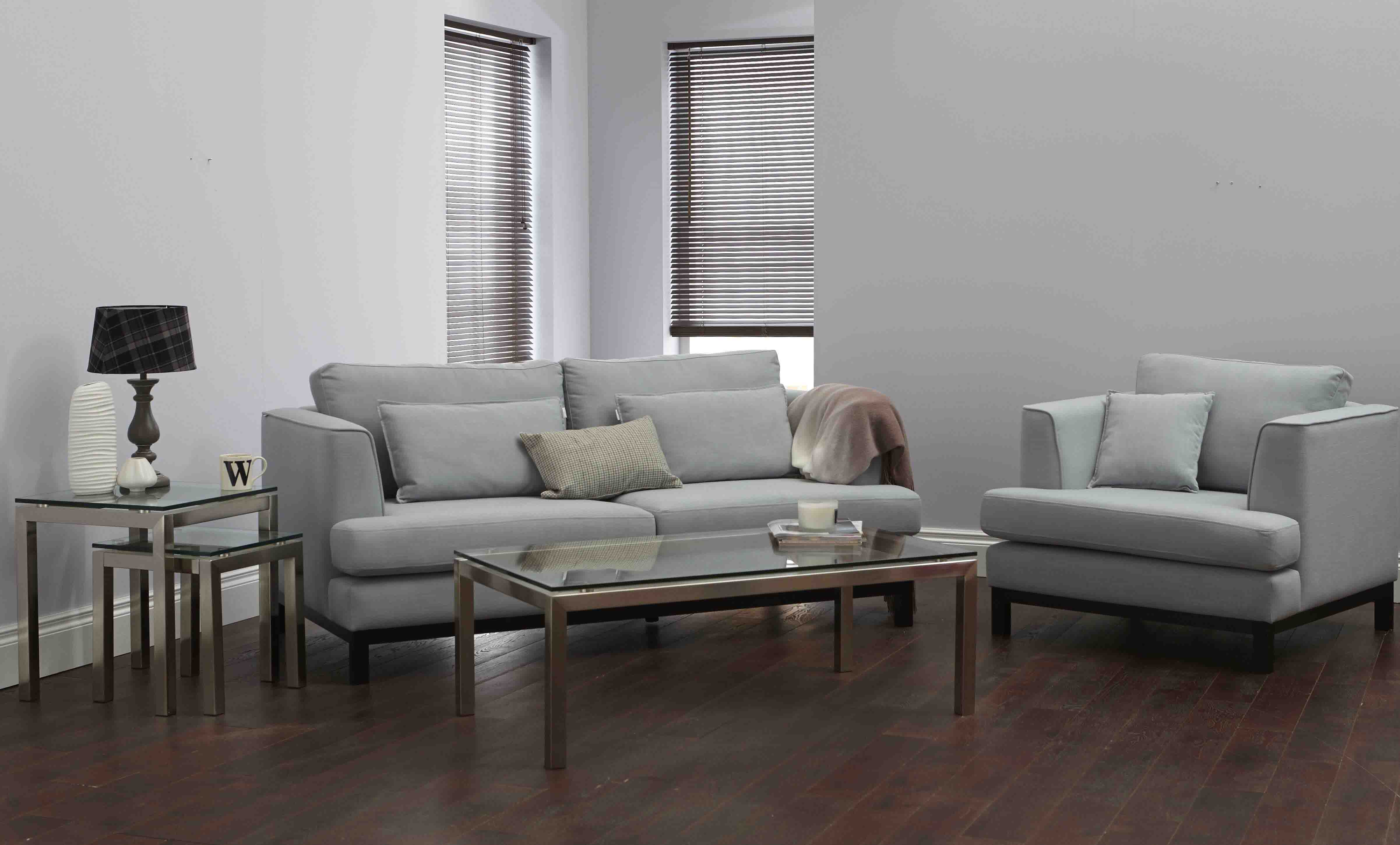 ELEGANT AND MINIMALISTIC SOFA